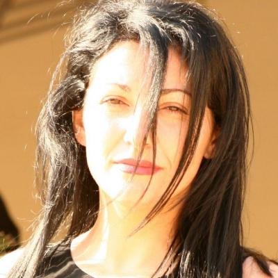 Lili Mihacea -